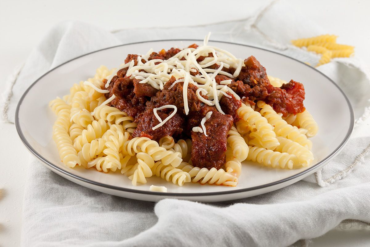 Pasta sauce with ground beef and tomatoes
