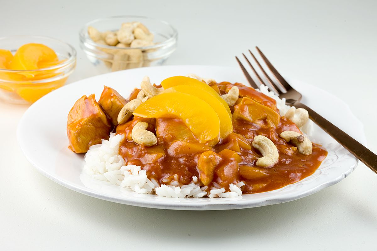 Chicken pilaf with peaches