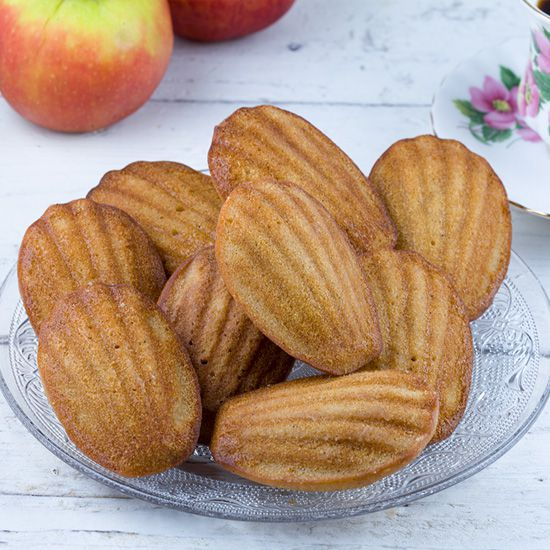 Apple and cinnamon madeleines square - Apple and cinnamon madeleines