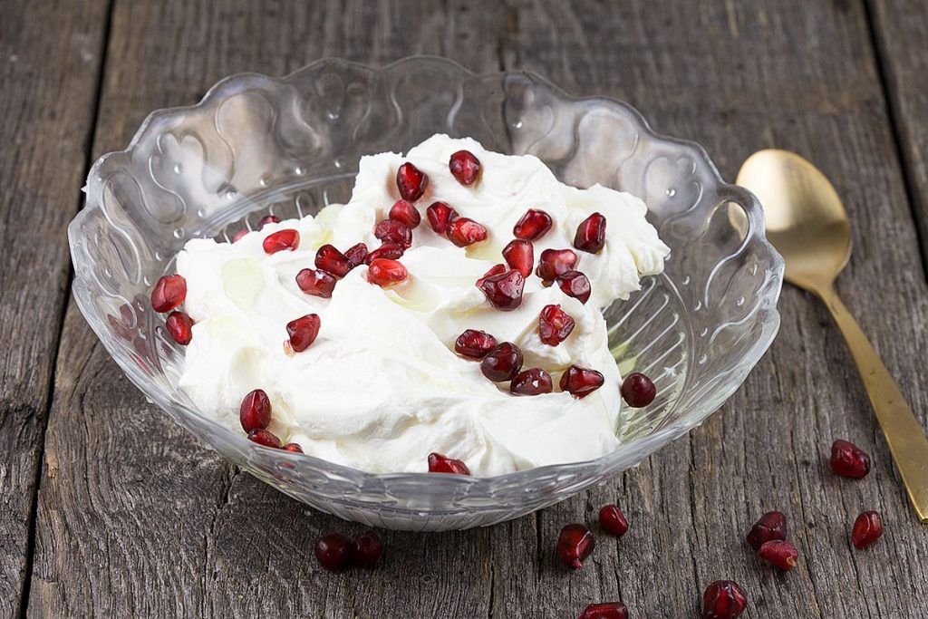 Garlic and pomegranate labneh