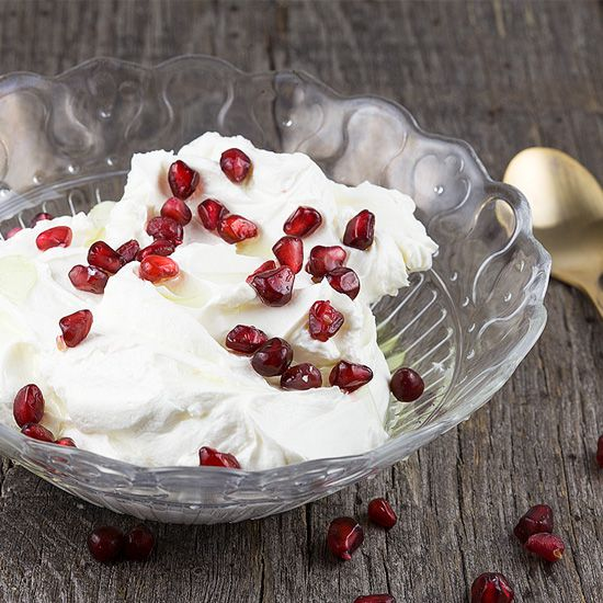 Garlic and pomegranate labneh square - Garlic and pomegranate labneh