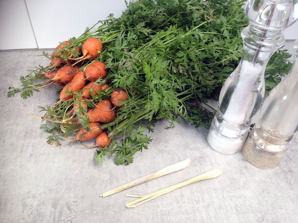 Steamed Parisienne carrots ingredients