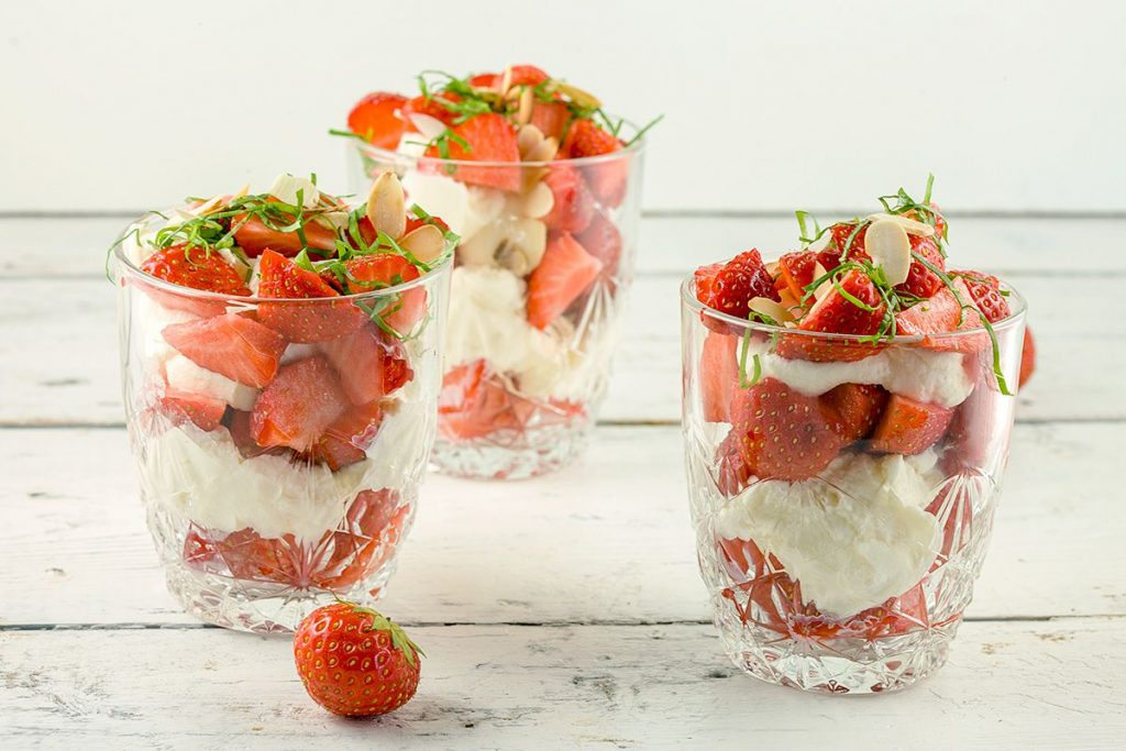 Strawberry mascarpone dessert