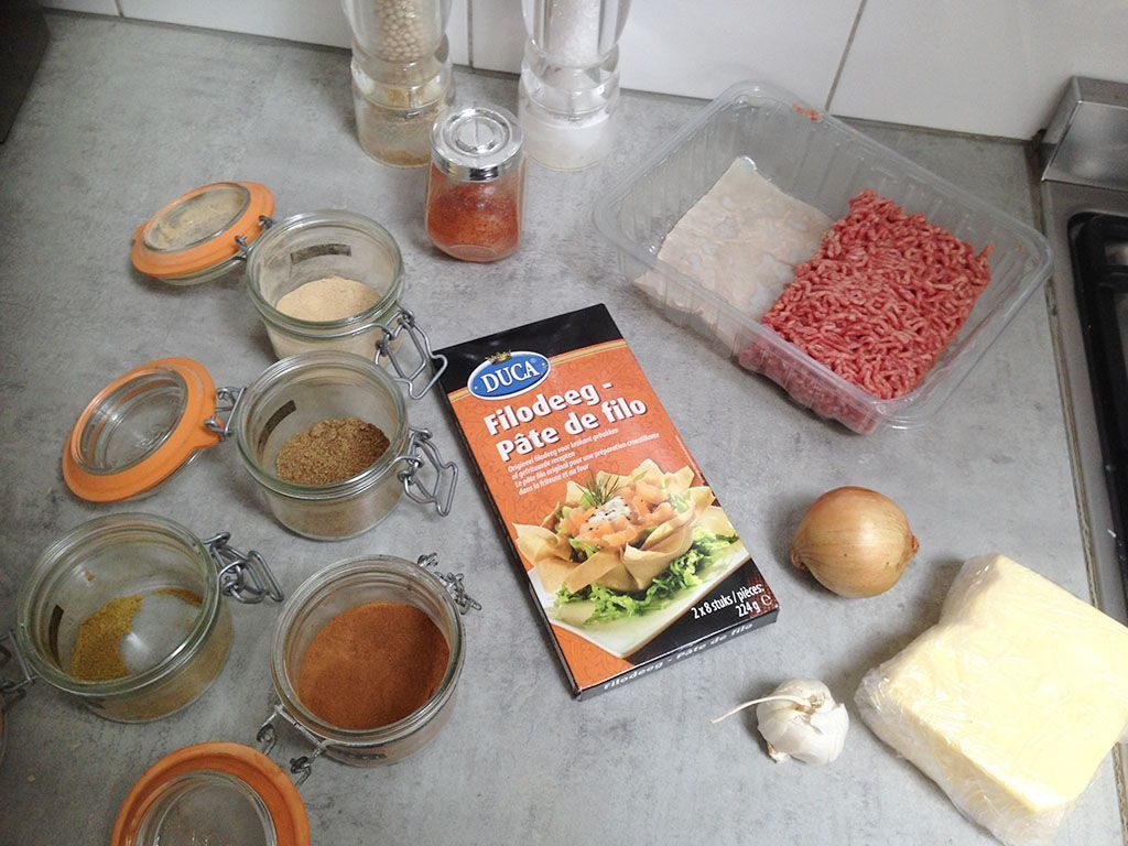 Spiced ground beef phyllo dough rolls ingredients