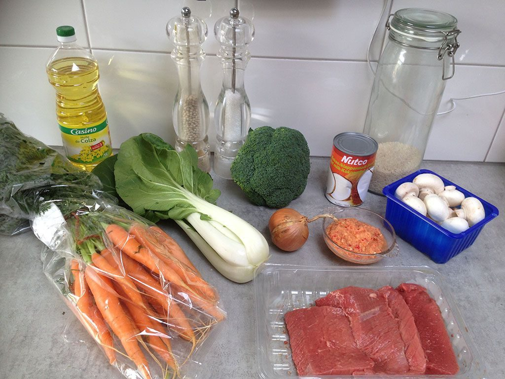 Beef and vegetable curry ingredients