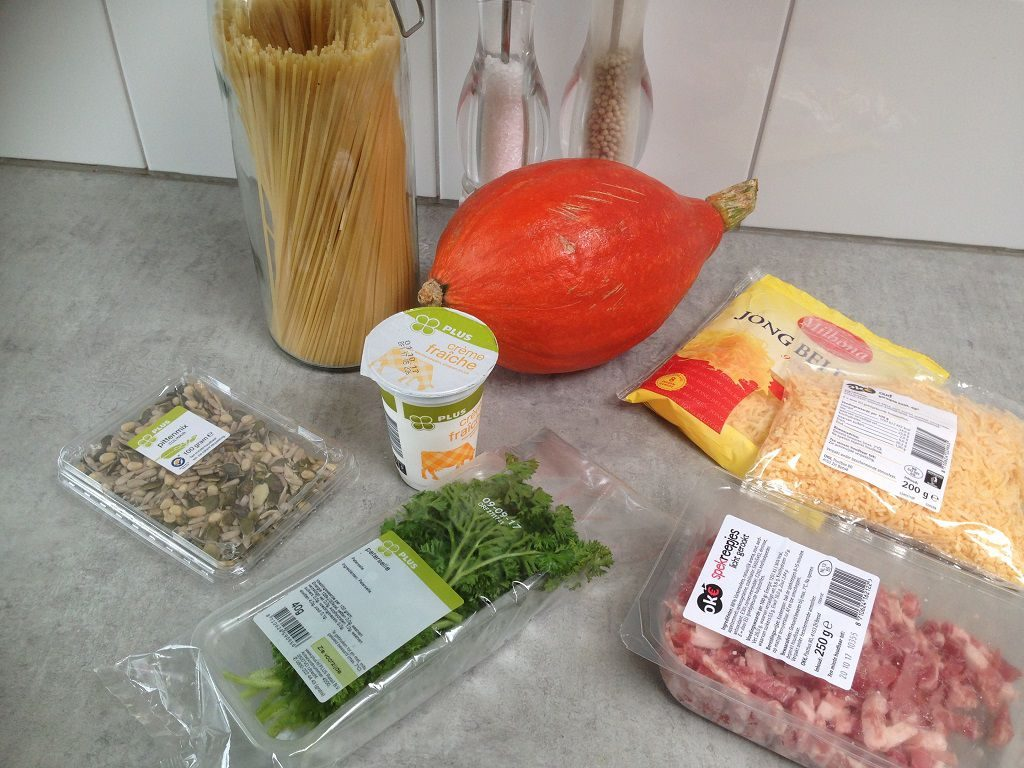 Cheesy pumpkin spaghetti ingredients