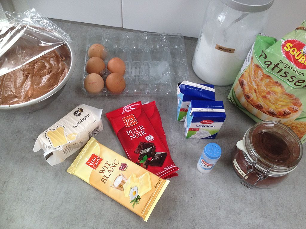 Chocolate mousse pie ingredients