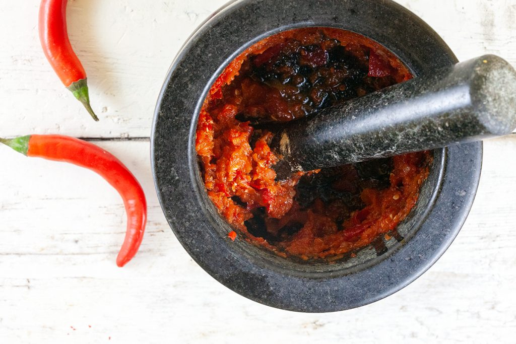 How to make red curry paste