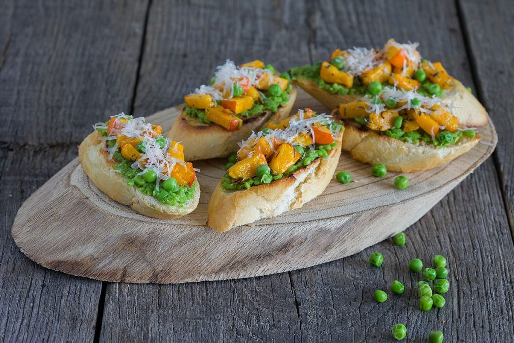 Pumpkin and peas bruschetta