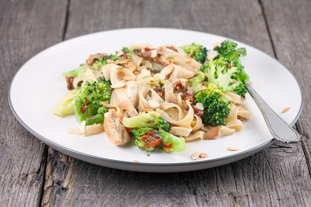 Creamy broccoli and chicken tagliatelle