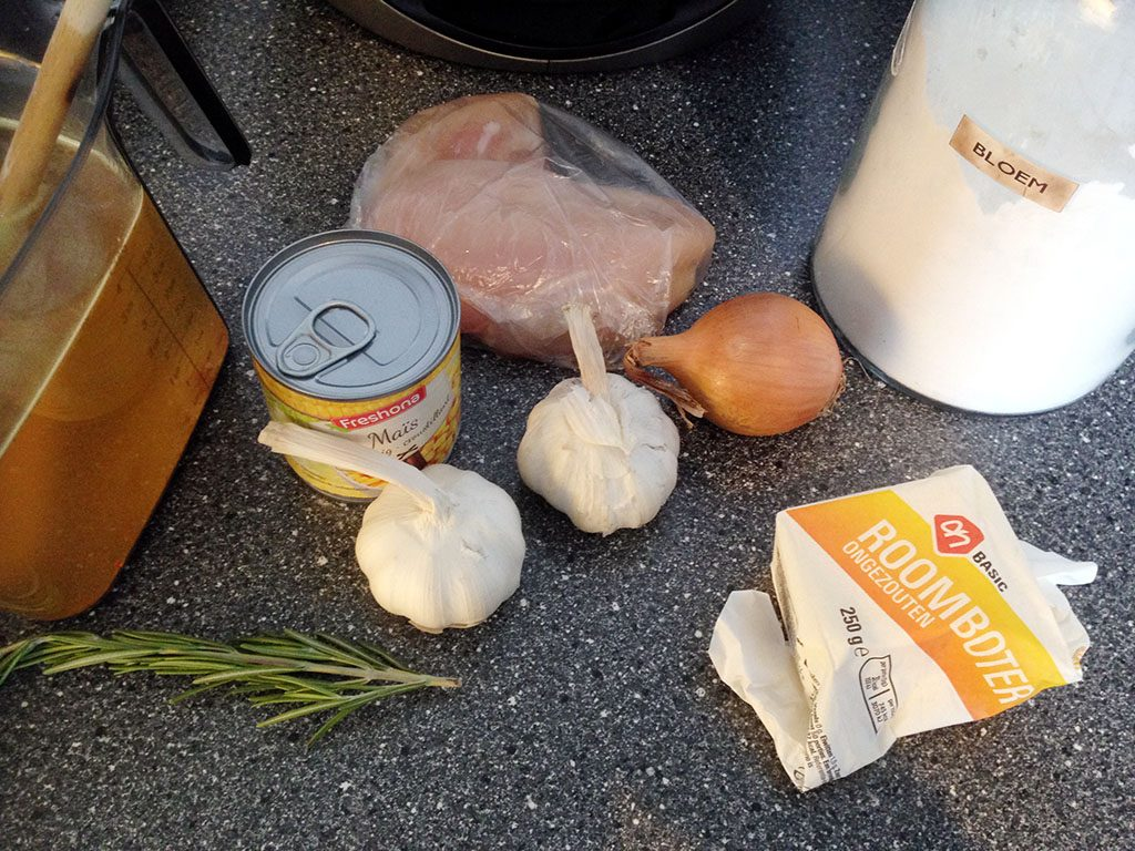Roasted garlic soup with chicken and corn ingredients