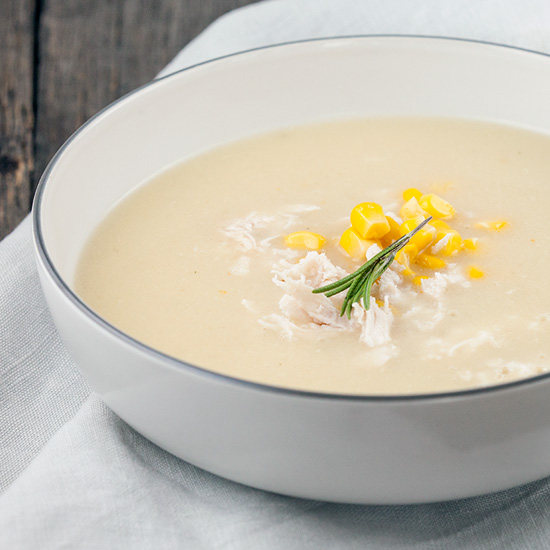 Roasted garlic soup with chicken and corn
