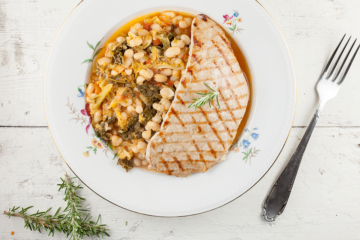 White bean stew with grilled veal