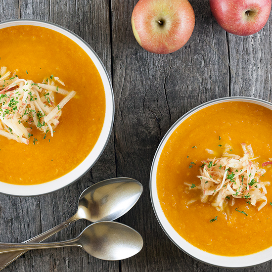 Carrot and apple soup square - Carrot and apple soup