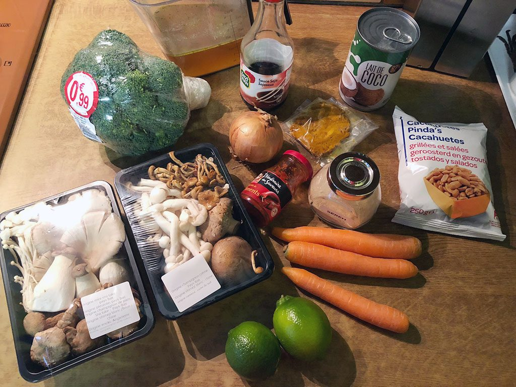 Mushroom curry with rice ingredients