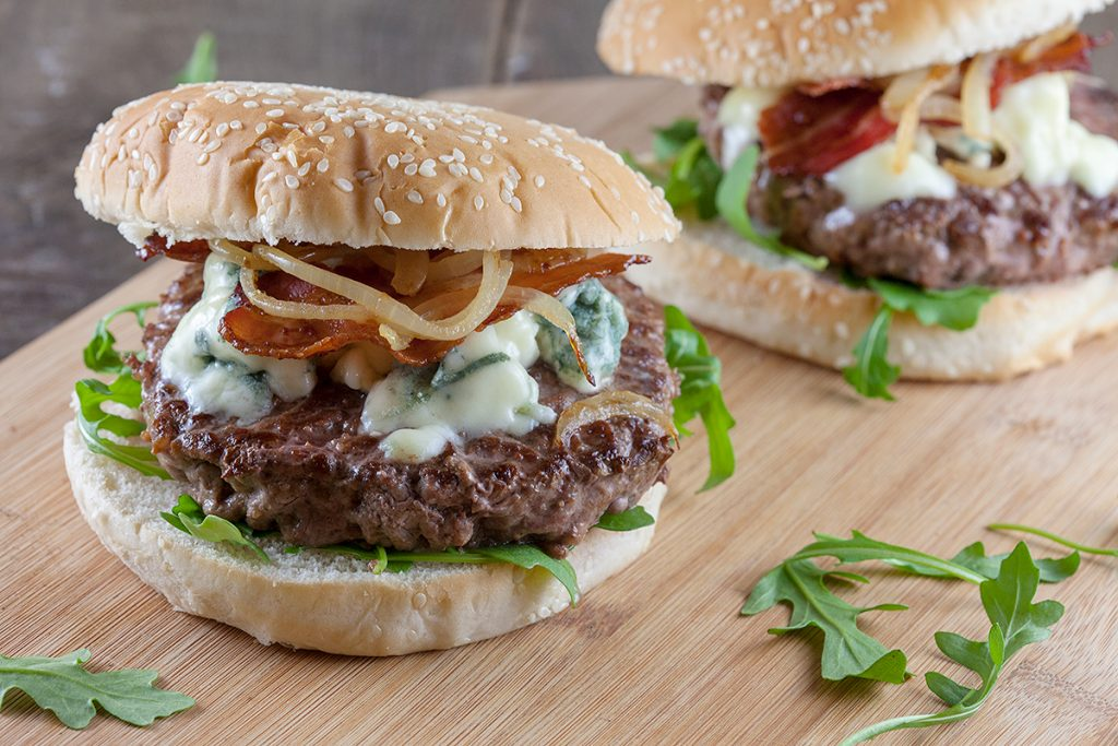 Blue cheese and bacon hamburgers