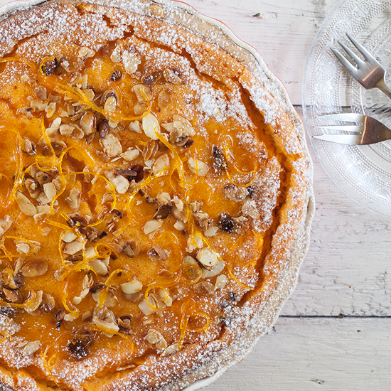 Pumpkin pie with candied orange and caramelised almonds square - Pumpkin pie with candied orange and caramelised almonds