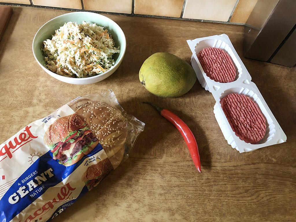 Mango and cabbage beef burgers ingredients