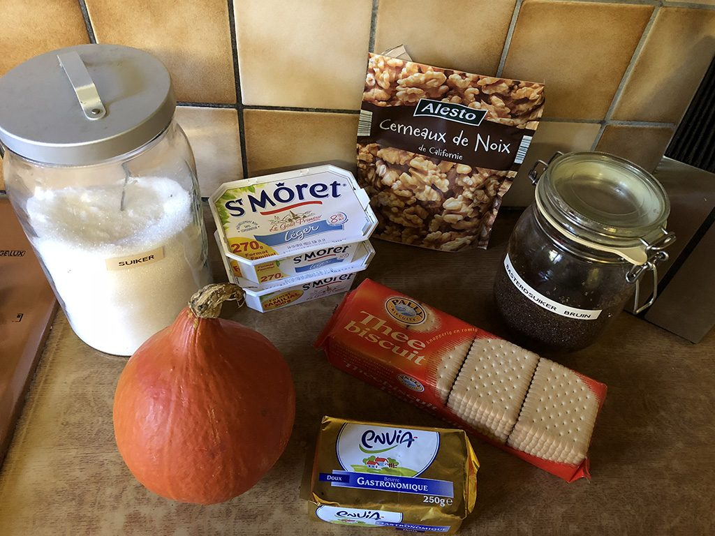 No-bake pumpkin cheesecake ingredients