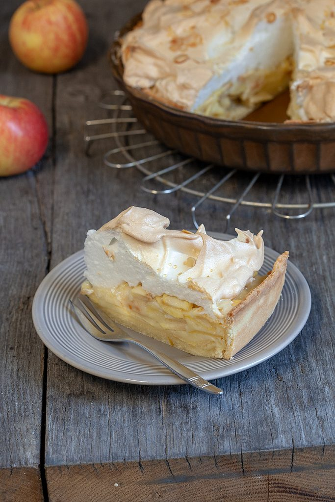 Apple meringue pie 2 683x1024 - Apple meringue pie