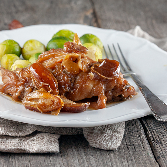 Slow cooked rabbit with dates and beer square - Slow-cooked rabbit with dates and beer