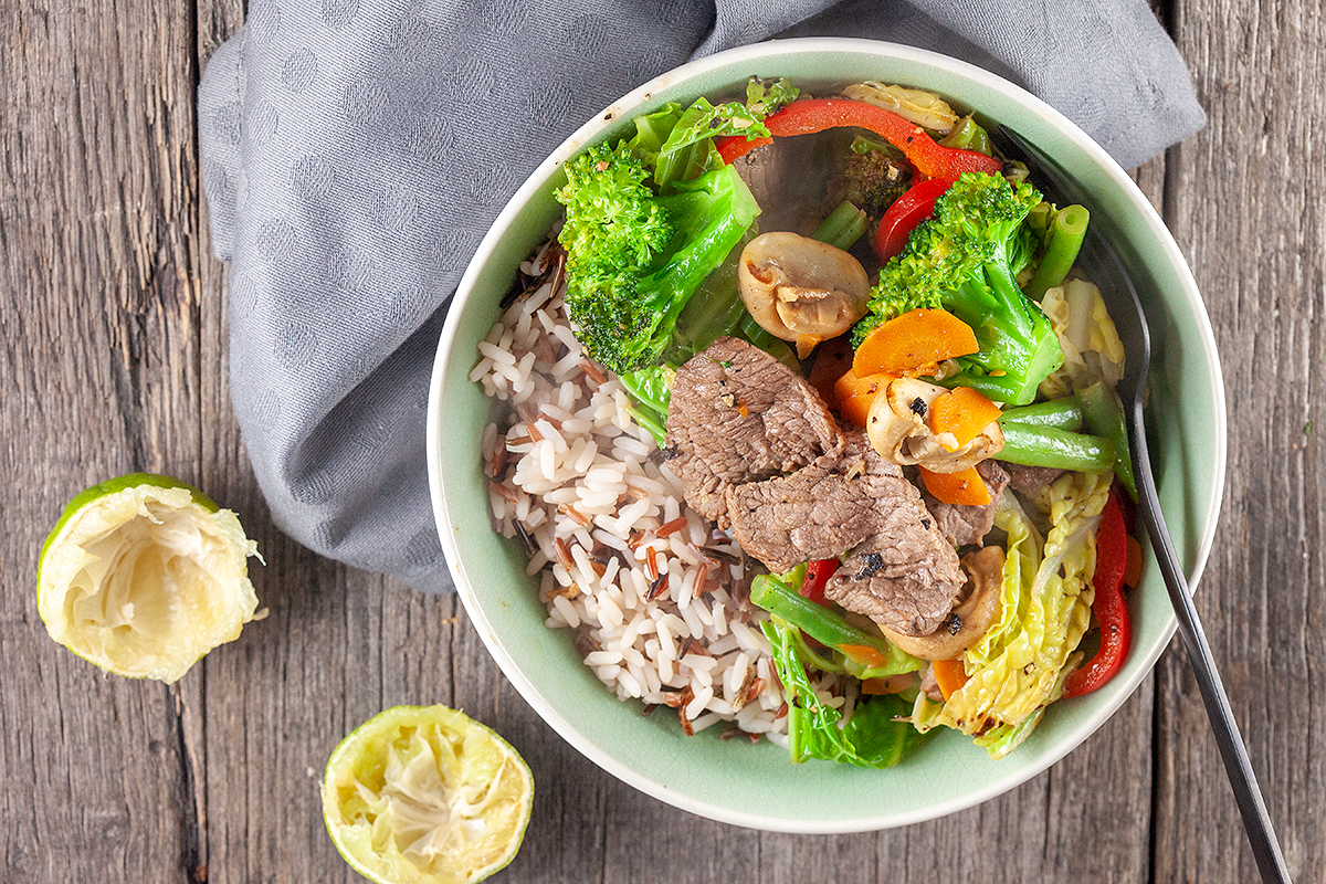 Black pepper and lime beef stir-fry
