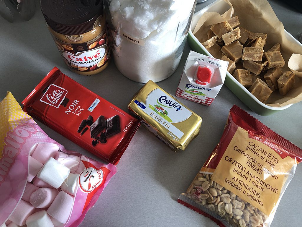 Homemade snickers ingredients