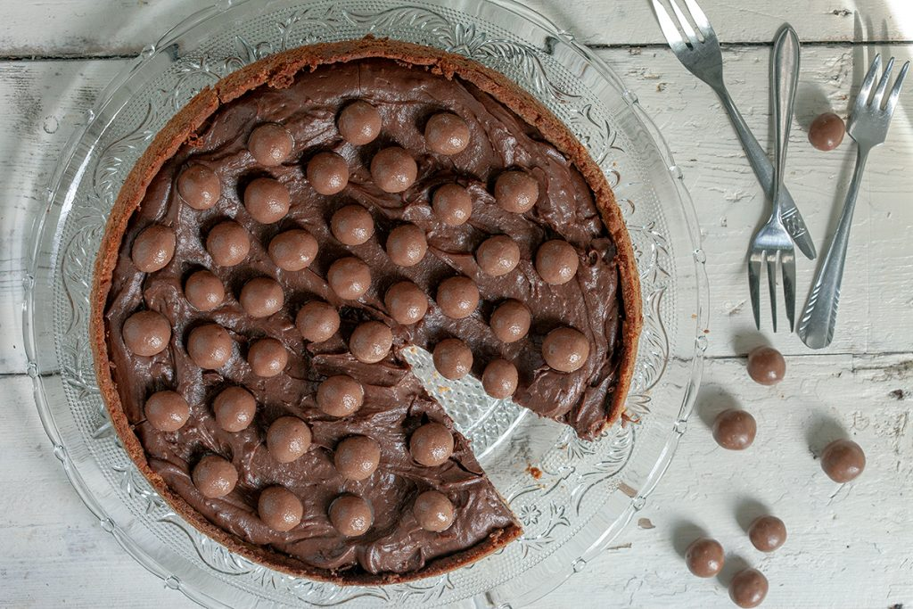 Chocolate malteser pie