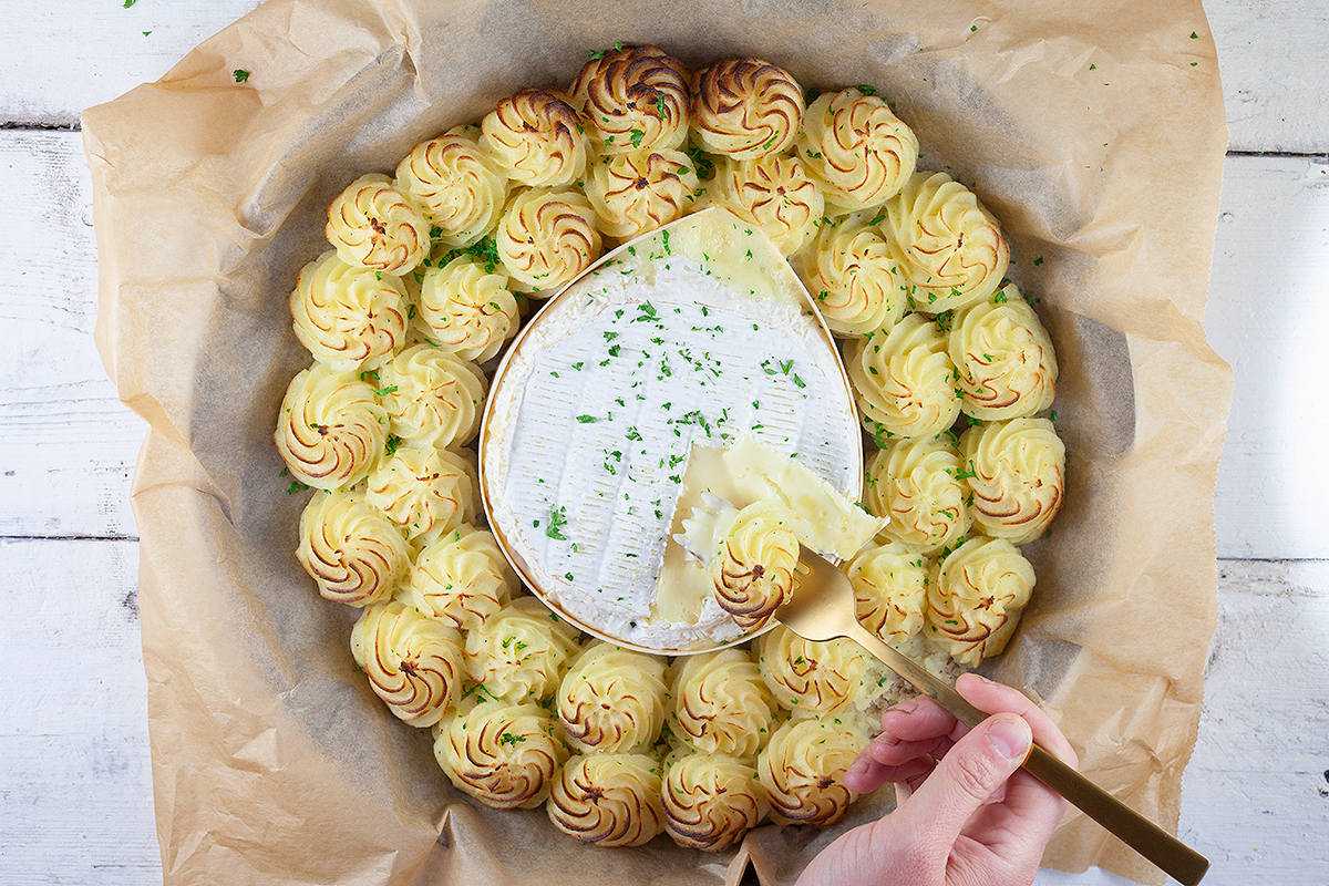 Oven baked camembert with pommes duchesse