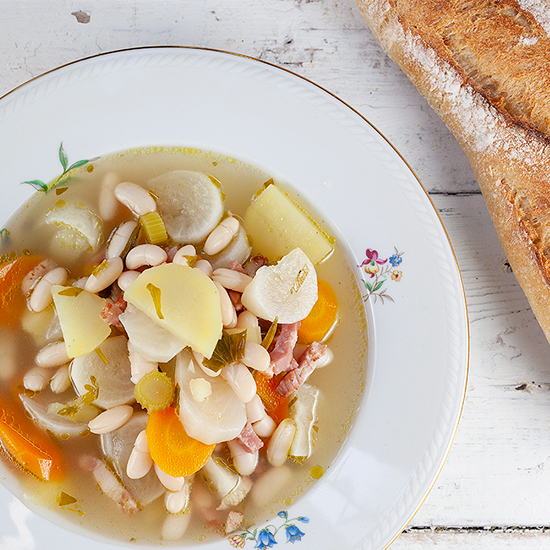 Summer white bean soup