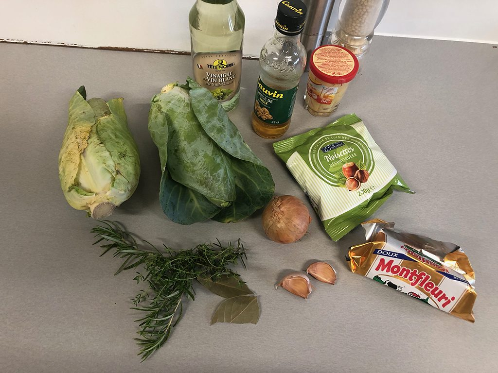 Braised cabbage with hazelnuts ingredients