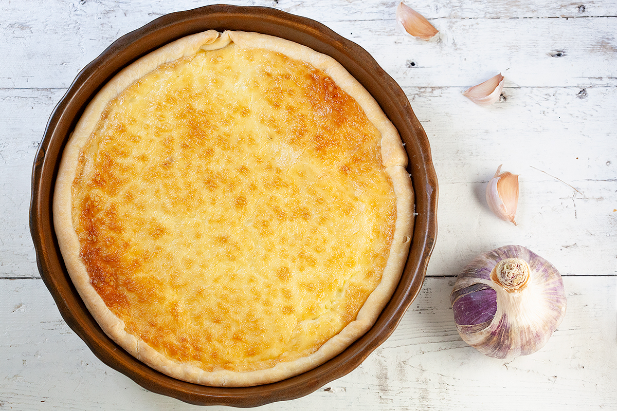 French garlic and pine nuts pie