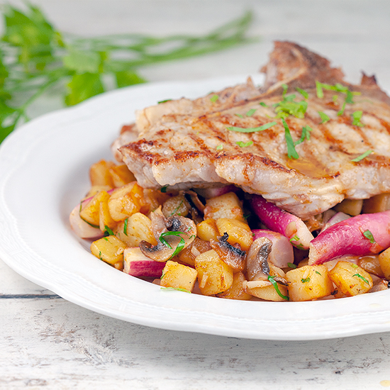 Stir fried potatoes and radishes with veal square - Stir-fried potatoes and radishes with veal