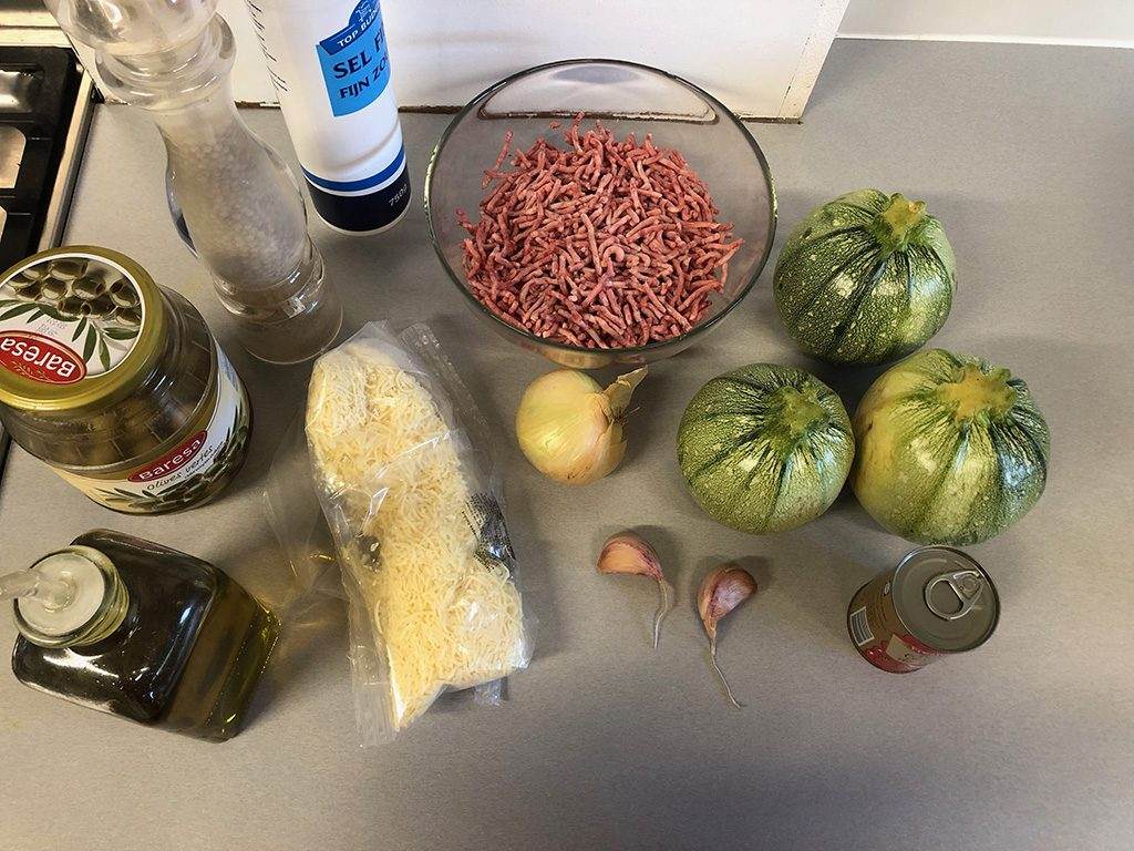 Beef stuffed zucchini ingredients
