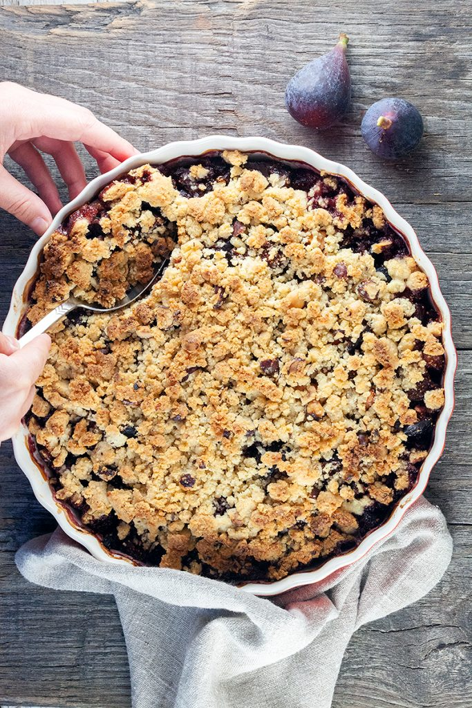 Fig and apple crumble