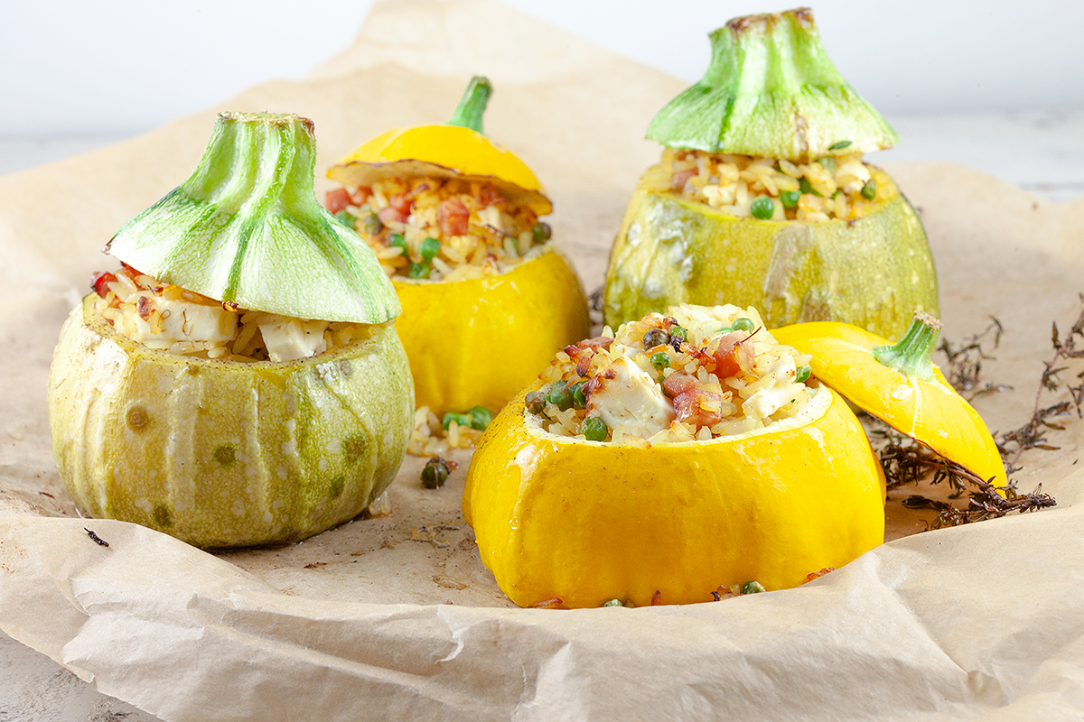 Rice and peas stuffed zucchini