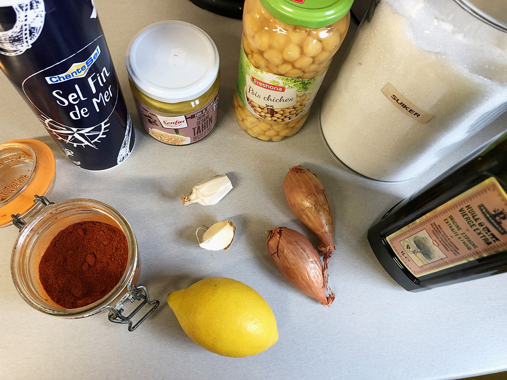 Caramelized onion hummus ingredients