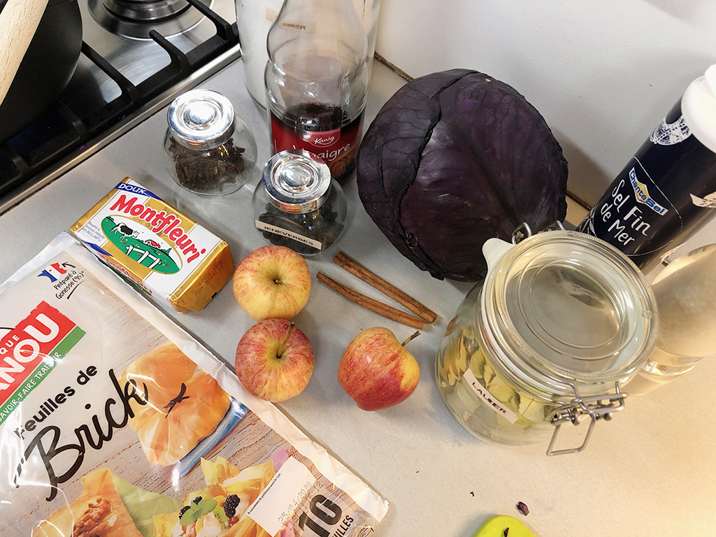 Mini red cabbage strudel ingredients - Mini red cabbage strudel