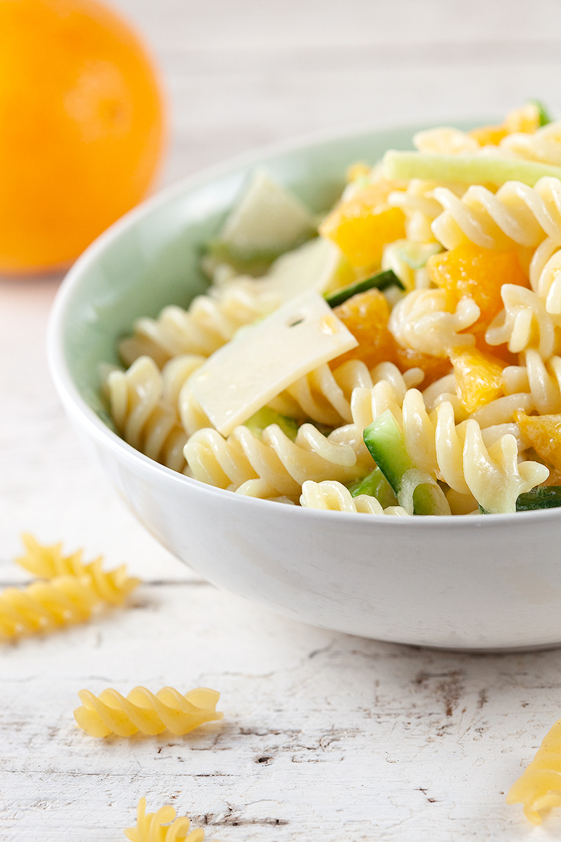 Pasta salad with orange and cheese 2 - Pasta salad with orange and cheese