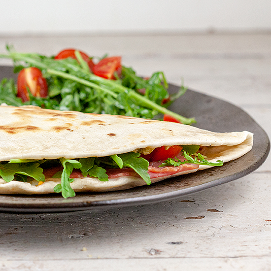 Piadina with ham and mozzarella