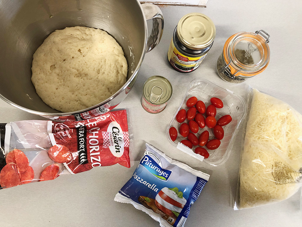 Mini pizza bites ingredients